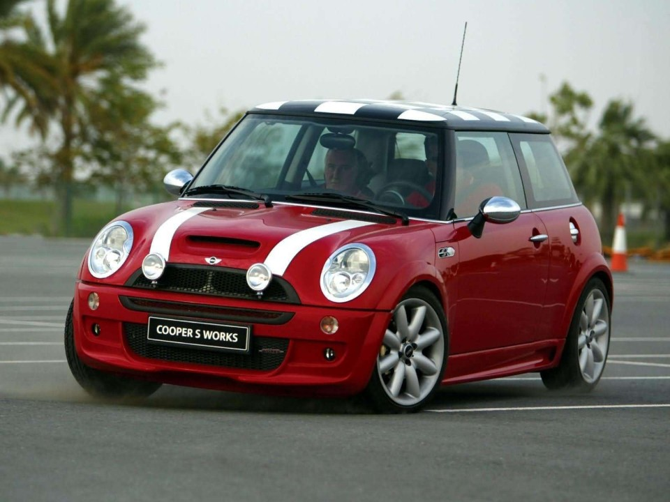 drivers generation cult driving perfection mini cooper s works. Black Bedroom Furniture Sets. Home Design Ideas