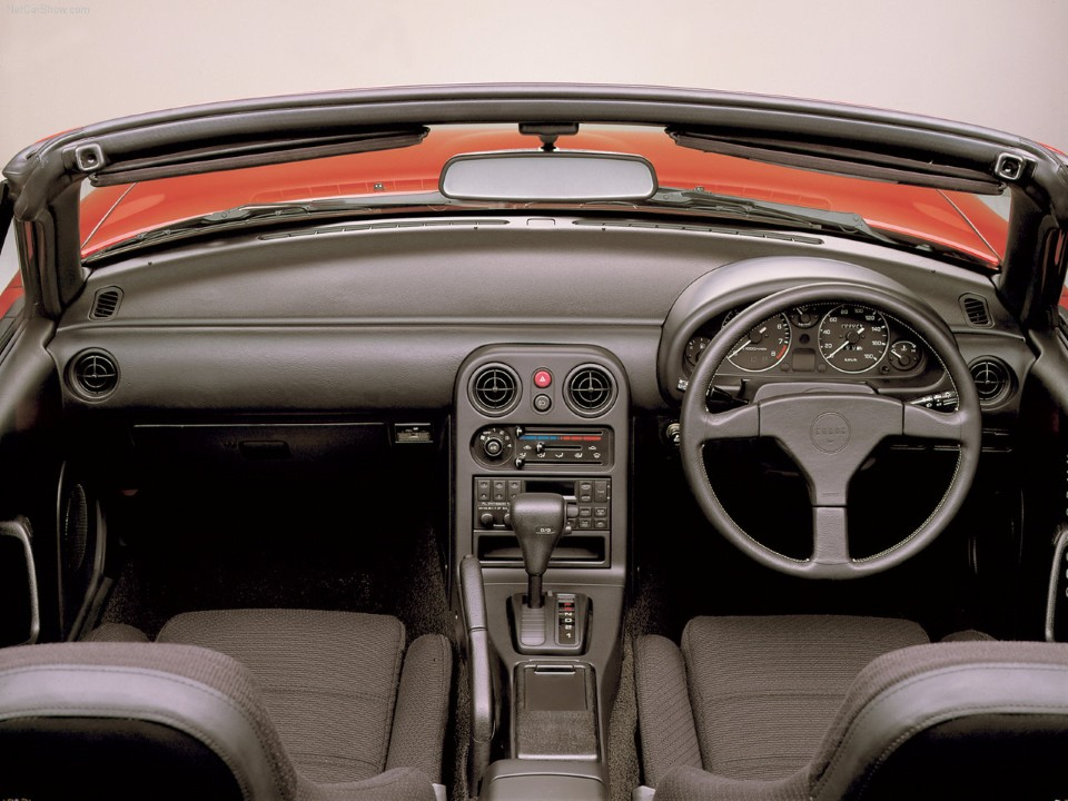 http://www.driversgeneration.com/wp-content/uploads/2011/11/Mazda-MX-5_Miata_Roadster_1989_1280x960_wallpaper_03.jpg