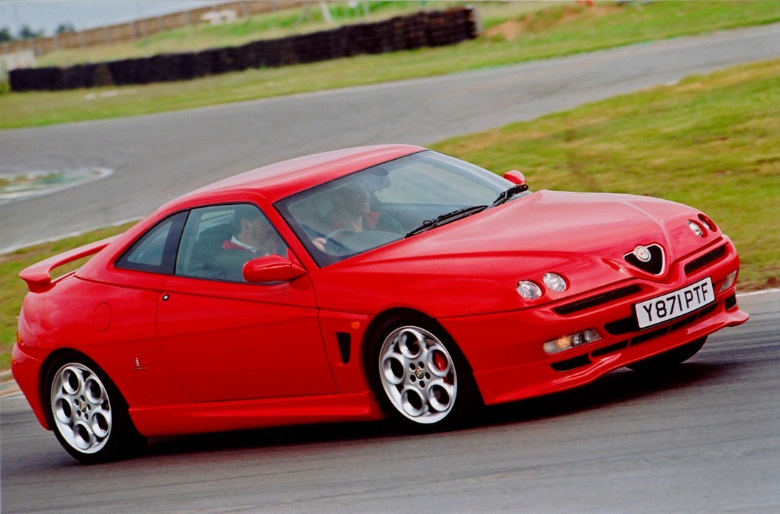 Cult Driving Perfection – Alfa GTV Cup